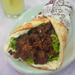 Shawarma de Kafta Assada na Brasa